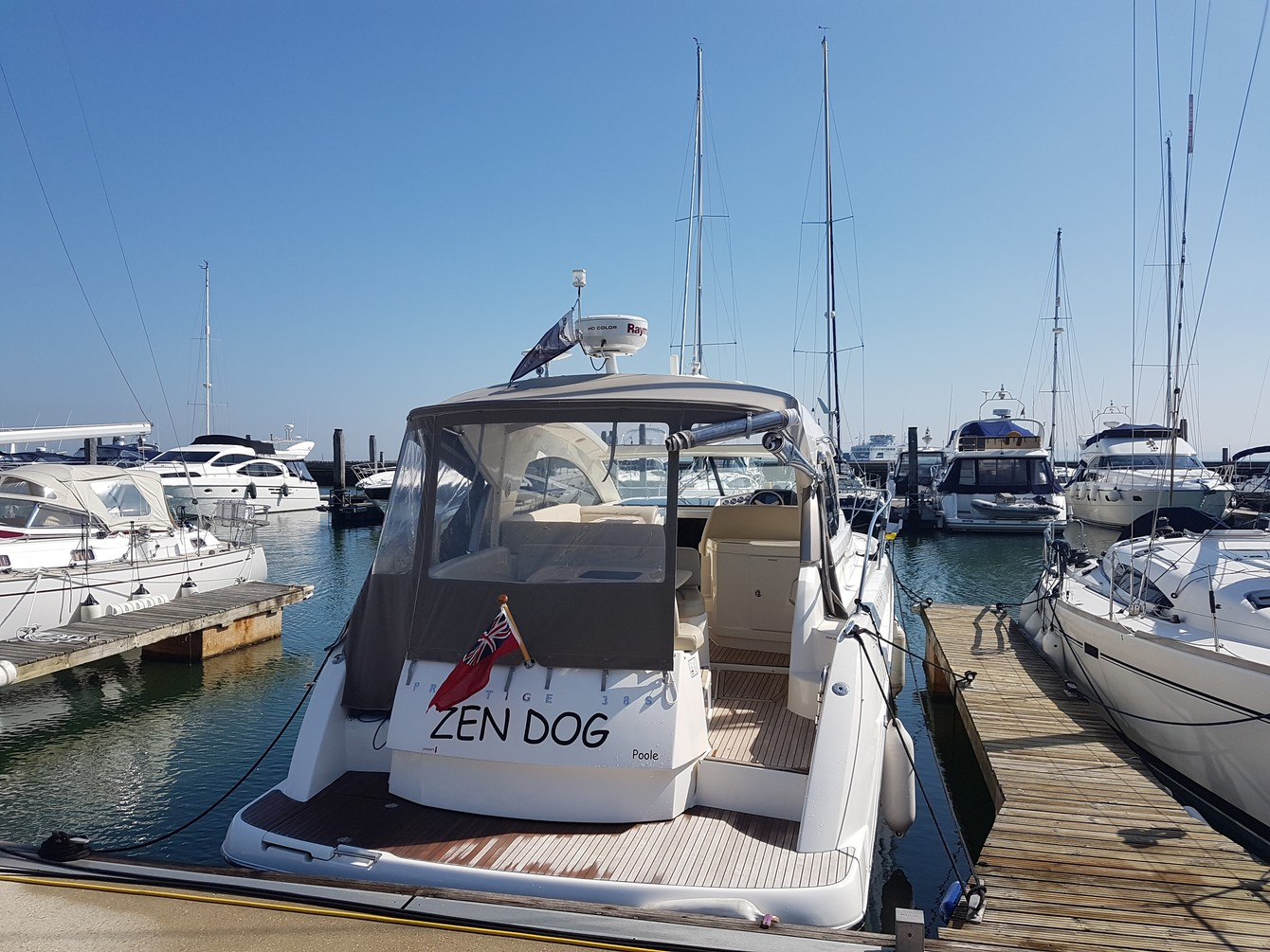 Rent a boat in Lymington