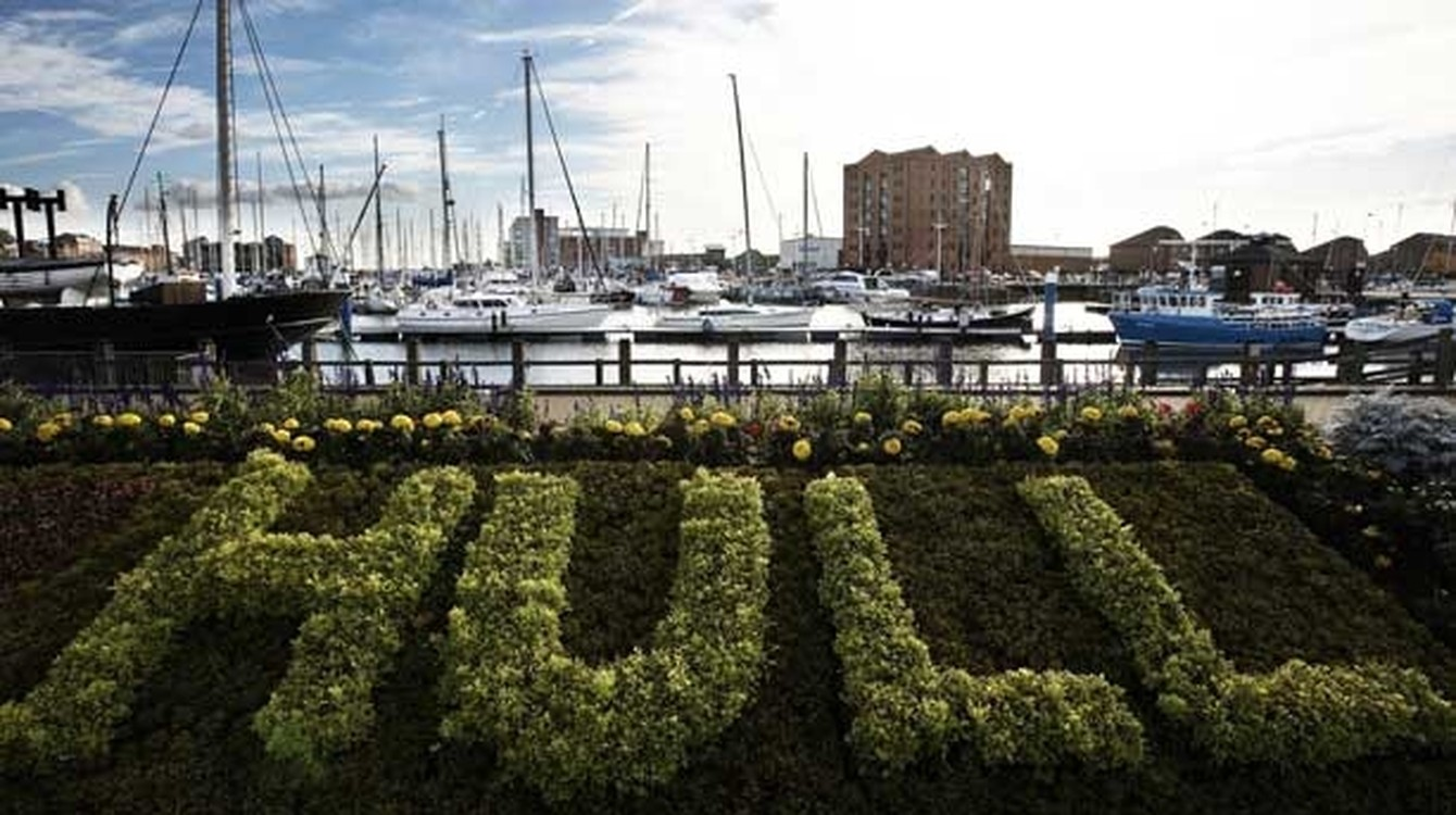 Stay on a boat in hull